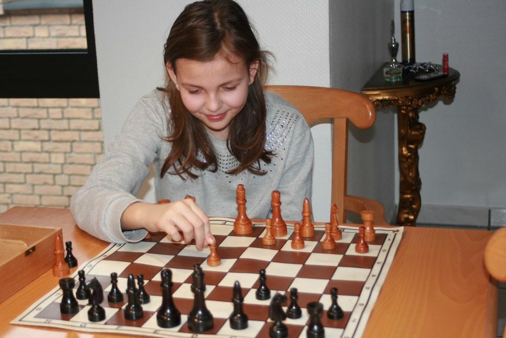 Fabienne Silski gewinnt Weihnachtsturnier Jugend Schach Recklinghausen Süd