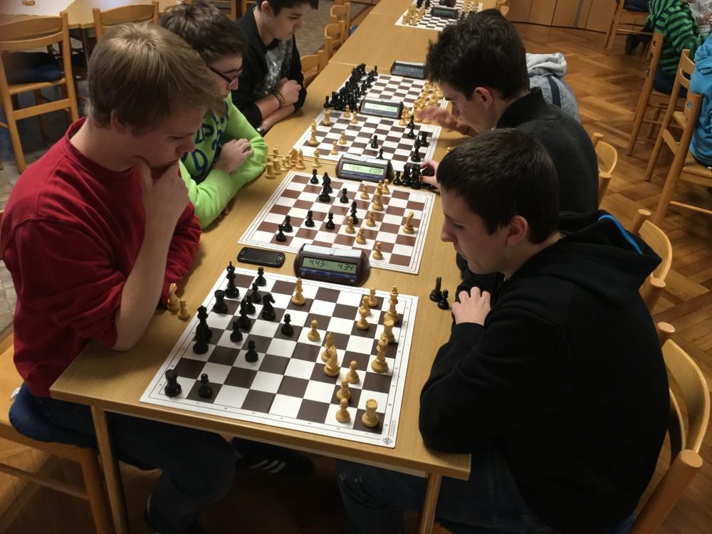 Pascal im Spiel gegen den Turniersieger Tom Kleiner